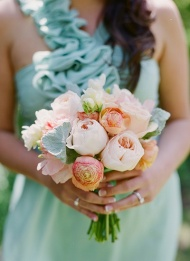 bridesmaids bouquets 1